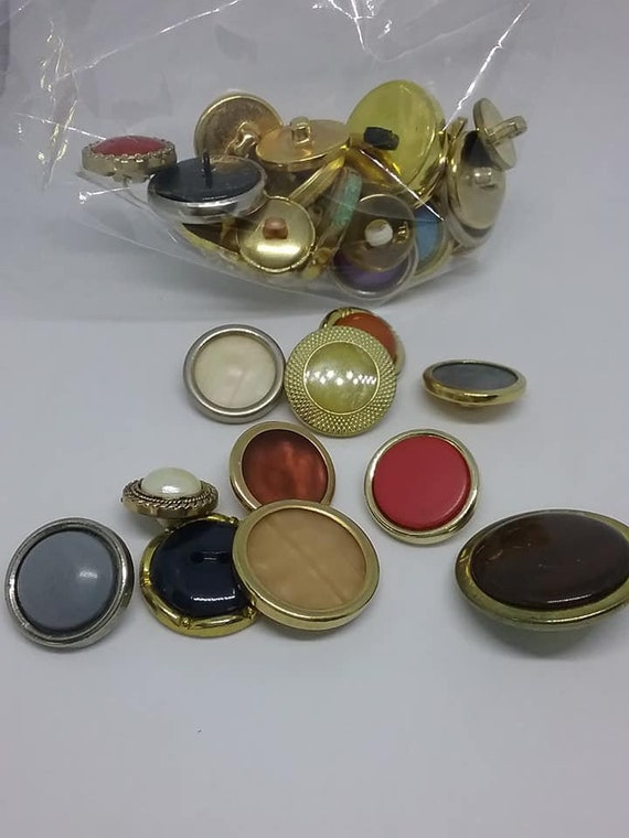 Multi-color and Multi-size Button Lot, 31 Piece
