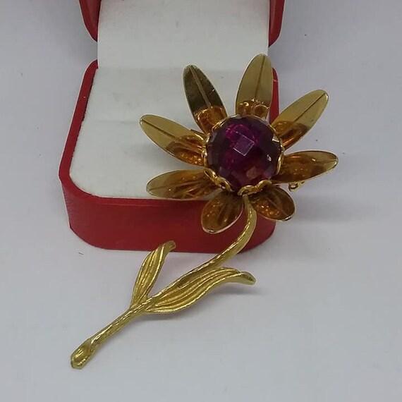 Vintage Golden Floral Brooch, Vintage Purple Golden Single Flower, Purple and Golden Brooch, Retro Purple Daisy, Vintage Daisy Brooch
