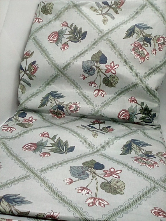 6 Yards Vintage Bloomcraft Teflon Fabric, Floral 1987 Stain Repelled Cotton Sateen, Light Green Floral