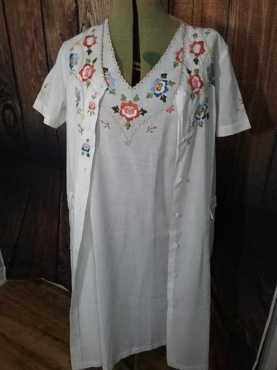 Embroidered Nightgown and Housecoat