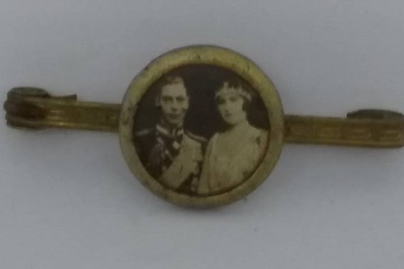 1920's Lapel Pin, King George and Queen Elizabeth