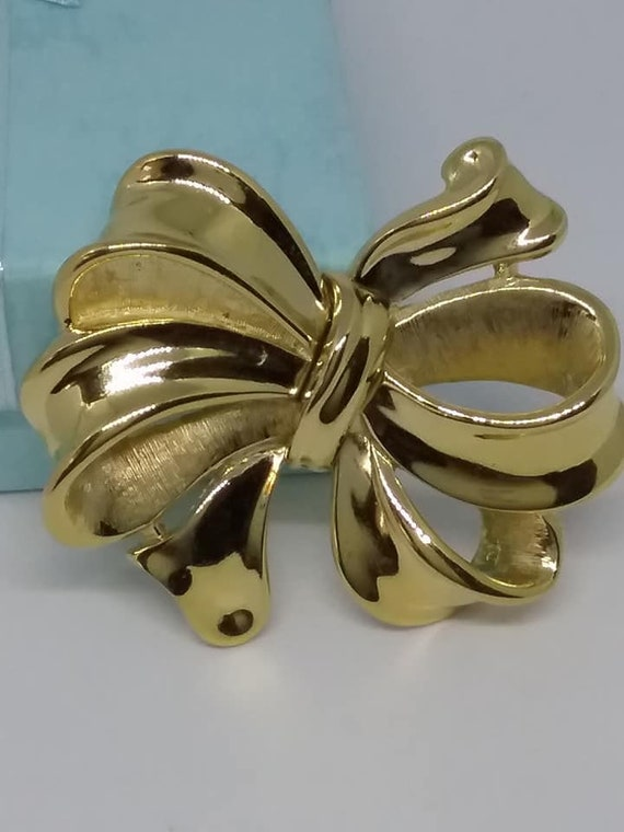 Vintage Trifari Golden Bow Brooch