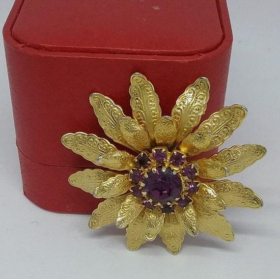 Vintage gold tone and Purple Rhinestone Brooch, Vintage Gold Tone Floral Brooch, Retro Amethyst Rhinestone and Golden Brooch, Golden Brooch