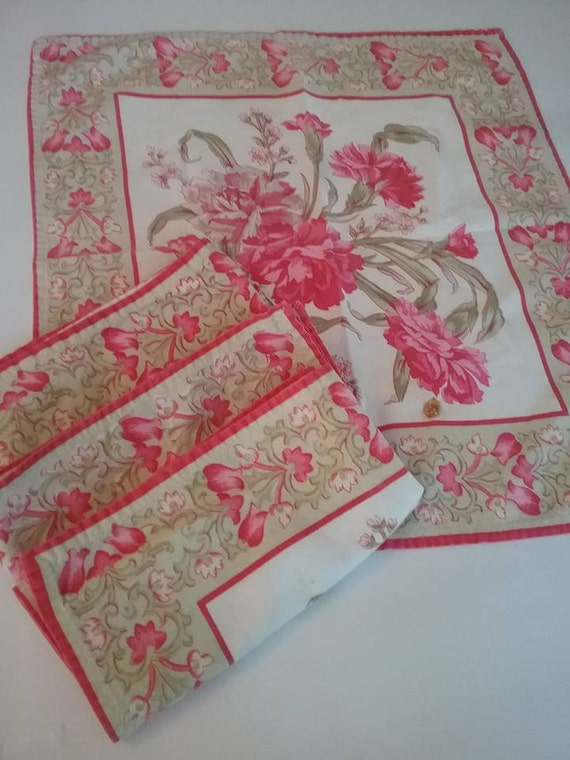 Vintage Pink Floral Napkins, Vintage Fabric Napkins, Pink Floral Napkins, Cottage Chic Napkins, Retro Kitchen Decor, Retro Napkins