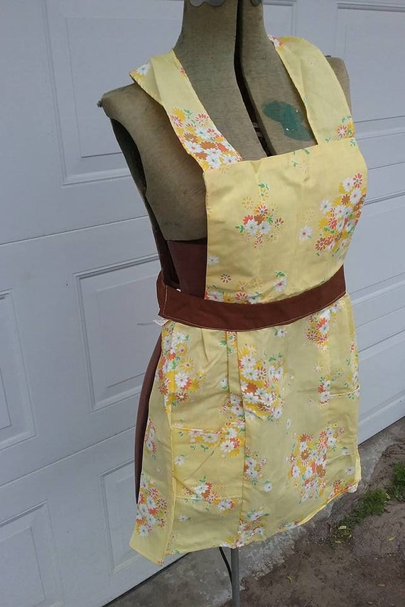 Vintage Pinafore Full Apron, Yellow Floral
