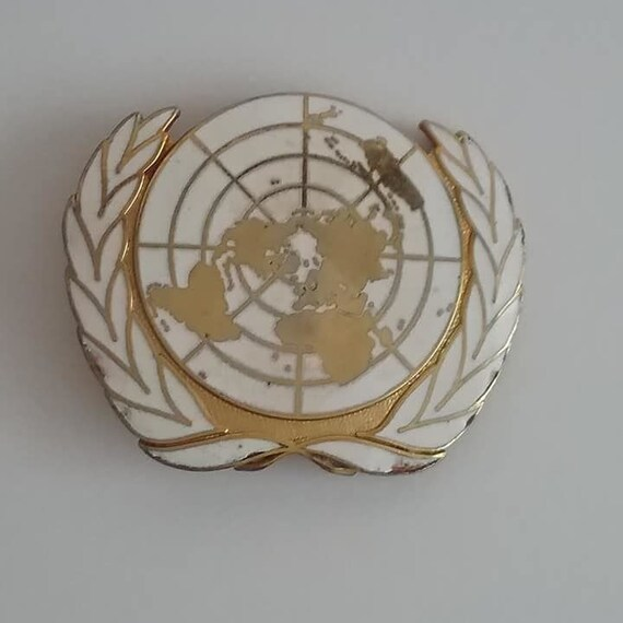 Collectible Vintage United Nations Pin