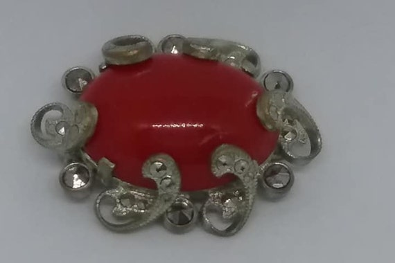 Vintage Red Cabochon with Silver Filigree, Vintage Red Brooch, Silver Tone Filigree with Red Cabochon, Red and Silver Brooch, Vintage Brooch
