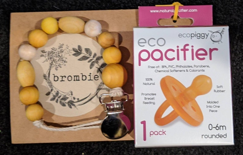 Eco-Piggy Rounded or Orthodontic Eco-Pacifier in 0-6m or 6m 100/% rubber pacifier MUST be purchased with a Brombie clip