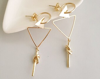 Triangle Geo Dangle Earrings, Triangle Dangle Earrings, Gold Triangle Earrings, Triangle Geo Earring, Gold Geo Earrings, Geo Dangle Earrings
