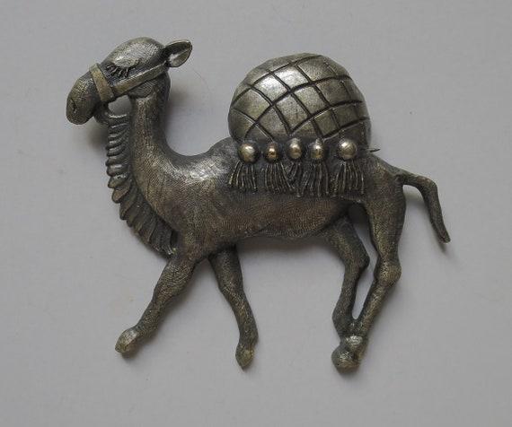 JOSEFF Of HOLLYWOOD Signed Camel Brooch Pin