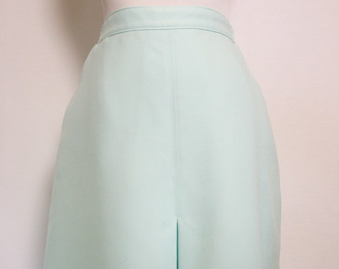 Skirts That Fit! Spring Robin's Egg Blue Pencil Skit