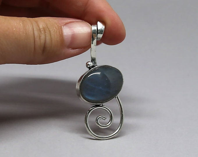Natural Labradorite Fashion Style .925 Solid Sterling Silver Pendant