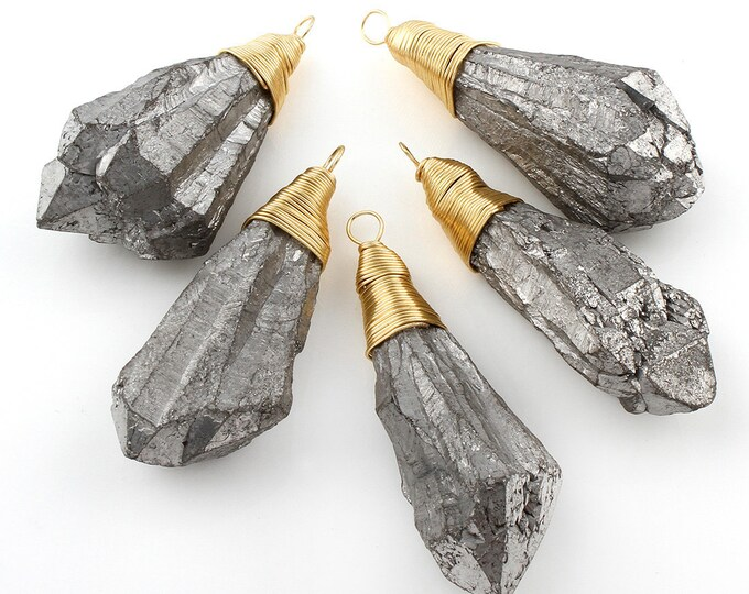 Druzy Agate Pendant | Gray Metallic | Geode Agate | Gold Plated Brass | Wire Wrapped Pendant | Size 25-29x63-64x24mm