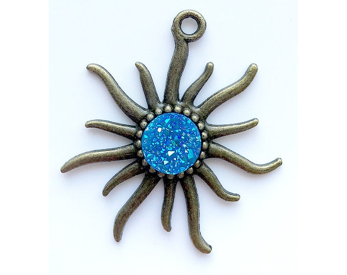 1 Piece Antique Bronze Blue AB Faux Druzy Agate Bezel Charm Sun Pendant