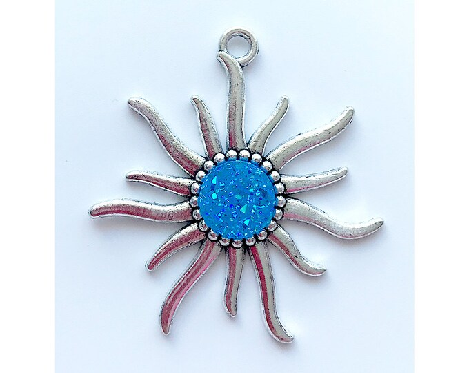 Sun Pendant   Blue Faux Druzy Agate Charm   Silver Color Plated   Sold by Piece   Size 55x50mm   Hole 4mm