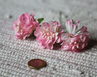 Small pink realistic flowers. Set 3 fabric flowers