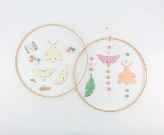 DIY-Mobilé craft set of wooden animals and felt balls in a wooden ring 30 cm to paint and craft moth beetle feather wallhanging
