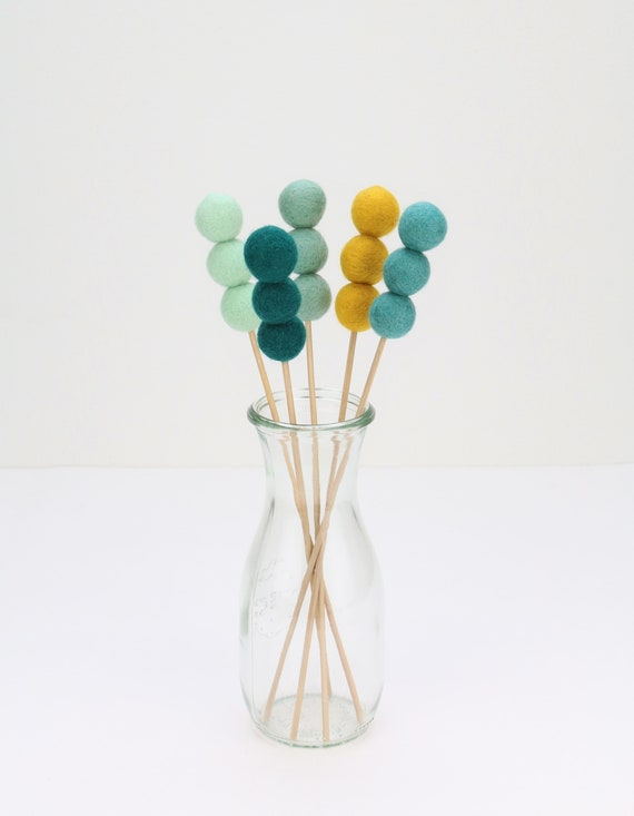 Bouquet of felt balls wool felt balls 2.5 cm bouquet nursery decoration Pom Poms versch. Colors Felt Balls Decoration colorful