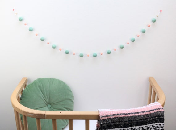 Garland made of felt balls (2.5 cm + 1 cm) Polka Dot 1.00 m - 1.60 m length Pom Pom Baby Room Dotty Decoration Nursery Wall Decoration garland