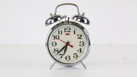 Silver vintage bell alarm clock retro alarm clock clean chic silver bedroom accessoire