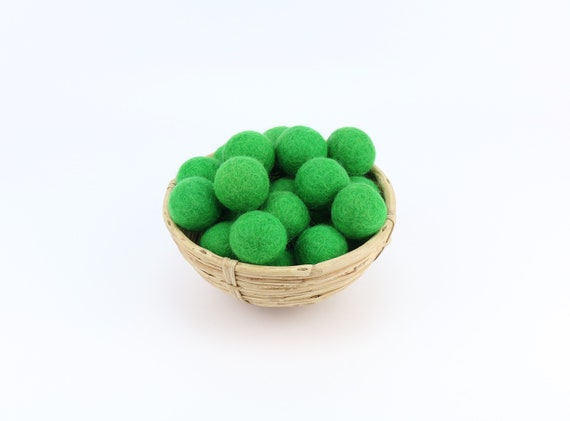 3 cm grass green felt balls for crafting #1 felt balls decoration Pom Poms versch. Colors Felt Balls Garlands Decoration
