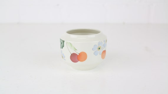 "Villeroy and Boch V & B ""Amigo"" vintage sugar can without lid with pretty motif classic German pottery antique lovers sugar pot without lid"