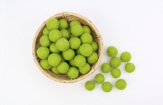green felt balls 1 cm/ 2.5 cm for crafting #3 felt balls decoration Pom Poms versch. Colors Felt Balls Garlands Decoration colorful