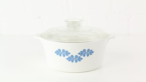 Pyrex pot with lid Midcentury 70 er years Pyrex pot and lid