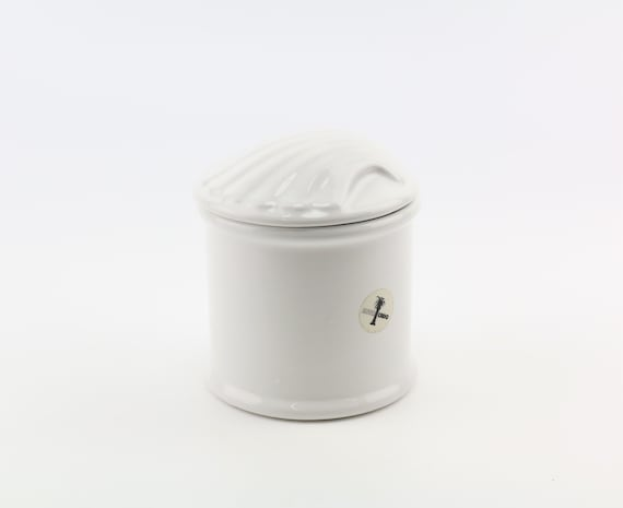 pretty porcelain box with lid in shell shape for This and Das in white can mussel can jewelry box bathroom accessory