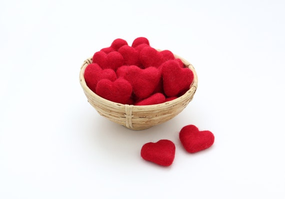 red hearts made of felt for crafting #13 decoration Pom Poms versch. Colors Felt Hearts Garlands Decoration colorful