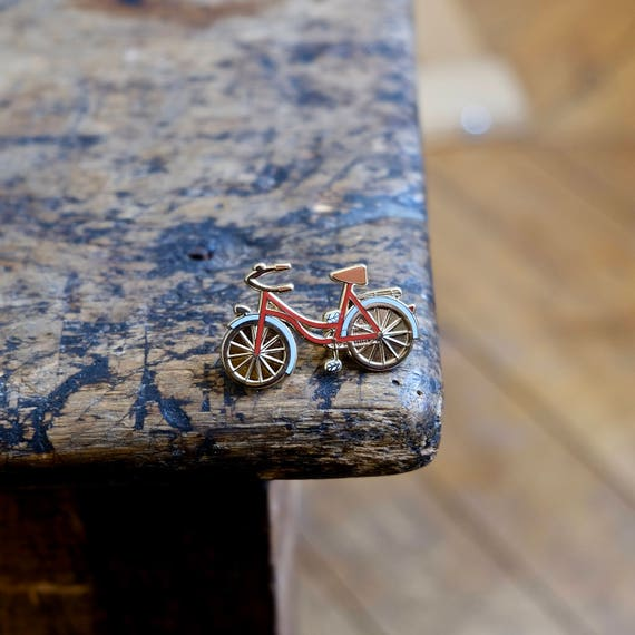 """Pin badges """"A bicycle - red & gold"""""""