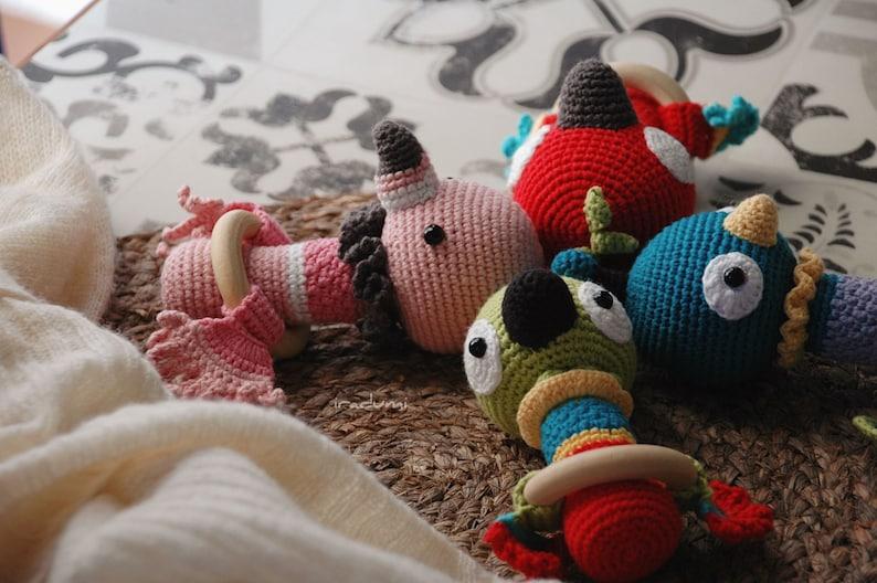 iradumi \u00b7 SET 3 PATRONES espa\u00f1ol \u00b7 Sonajeros loro flamenco pavo real \u00b7 PDF Patr\u00f3n Crochet \u00b7 Amigurumi crochet \u00b7 Crochet pattern \u00b7 rattle