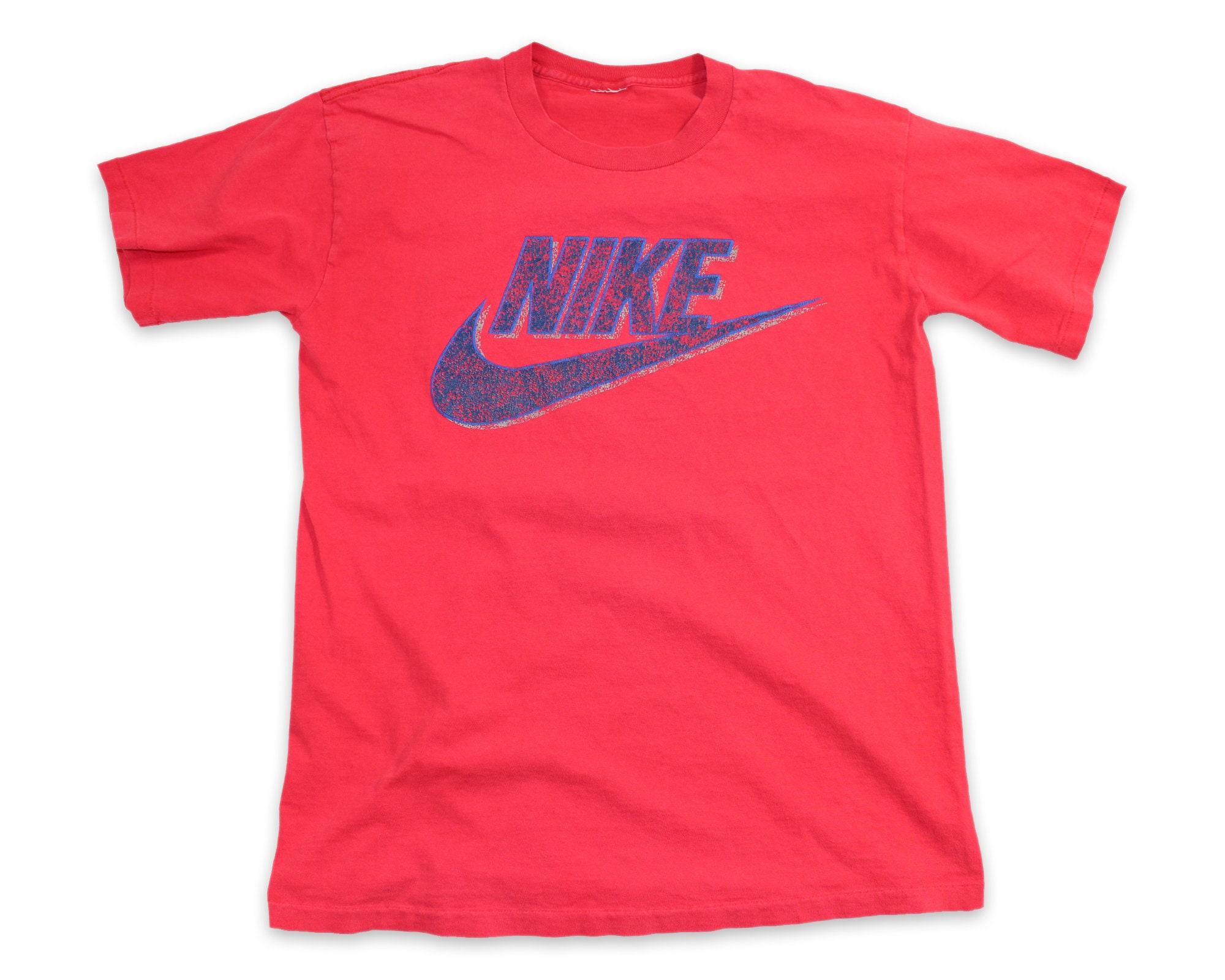 3213b67acba218 90s NIKE SWOOSH Vintage T-Shirt S-M    Iconic Graphic