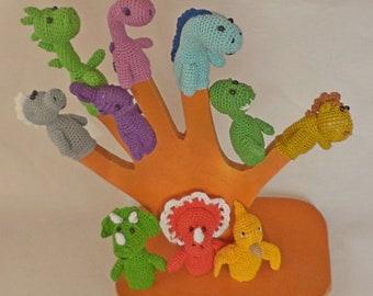 1 pcs/Knitted toy.Pocoyó Finger ,Marionetas .finger puppets.knitted toy.toy dinosaur.Crochet Amigurumi Bronto the Dinosaur Brontosaurus