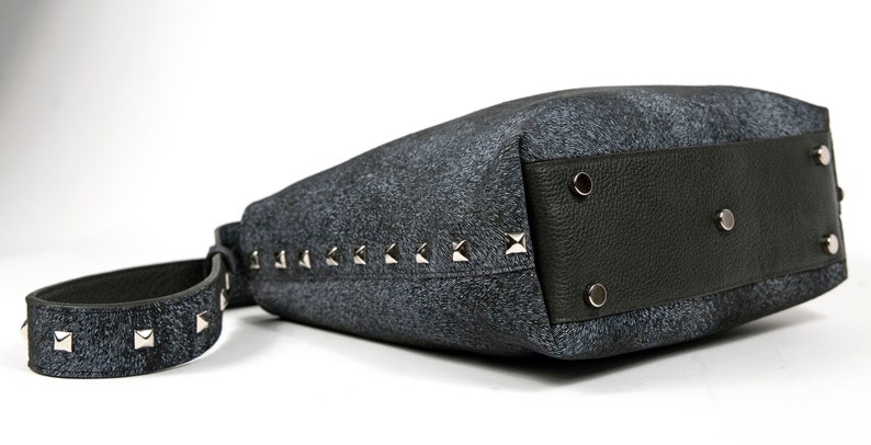 Women/'s Studded Shoulder Tote Bag in Gray Textured Leather