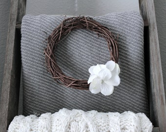 Mini Wreath (White flowers)