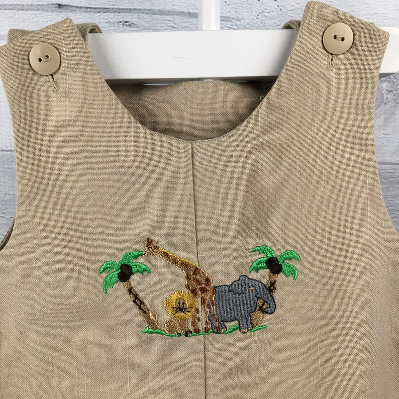 Lion Giraffe Elephant /& Palm Trees 6-9 Month Vintage Beige Shortall with Scene of Detailed Embroidered Animals Gray Green Yellow