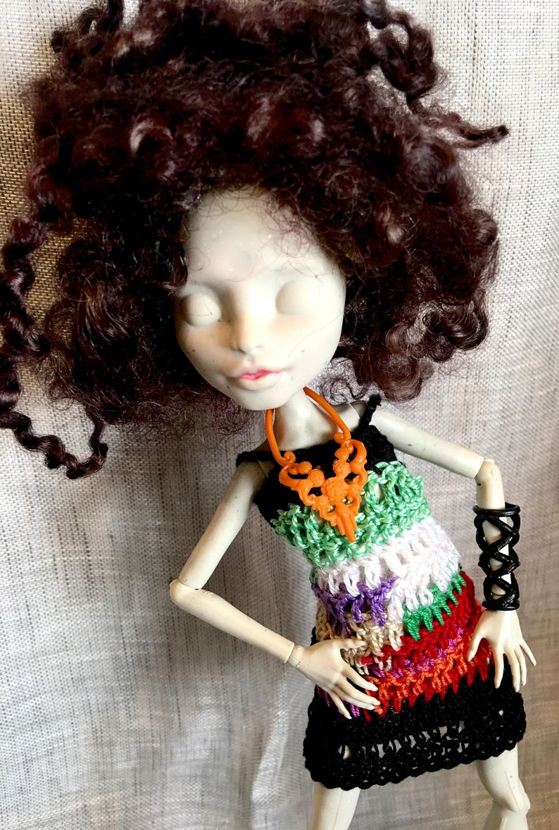 a03917a198b50 Monster Ever after High- Pullip - Multi-colored crochet dress