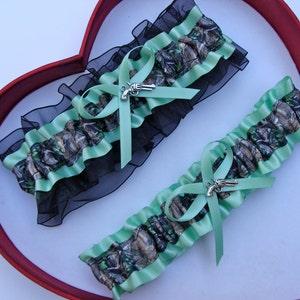 New  Mossy Oak Iris Black Camouflage Camo Wedding Garter Prom GetTheGoodStuff