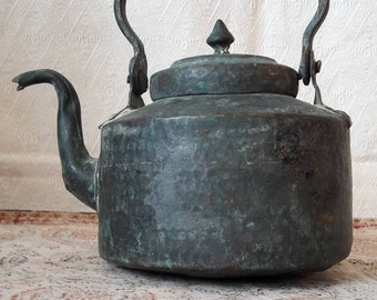 Vintage copper kettle, water-boiling kettle