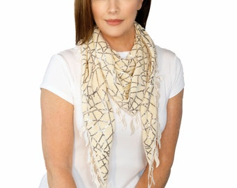 Beige Traingle Scarf With Fringes (QH-255-4-04)