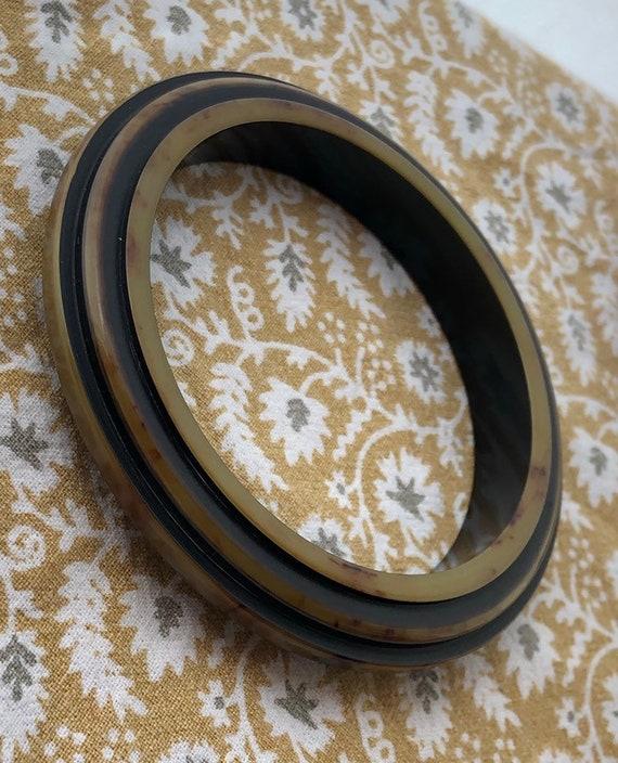 Vintage Step Carved Bakelite Bangle! Resin Washed