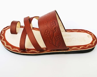 ea67152e86c Women s Cafe brown and beige Handmade Mexican Leather Sandal Huaraches  CZ04cfbg
