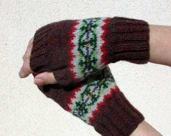 Fair isle fingerless mitts, Arm Warmers, Hand Knitted, Scottish Shetland Lambswool, Size M,  Brown or Nutmeg,  M D Walker Designs