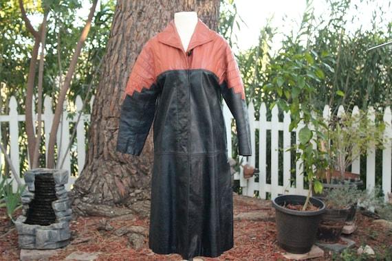 Vintage 60s Black / Red Long Leather Coat (Vintag… - image 2