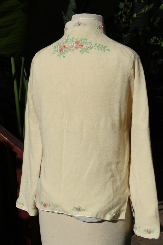 50s Beaded White Wool Sweater w Liner (Vintage / … - image 6