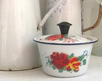Small enamel casserole, Enamel pot with lid, Chinese enamelware, Enamel pot with flowers, Vintage enamel pot, Farmhouse decor