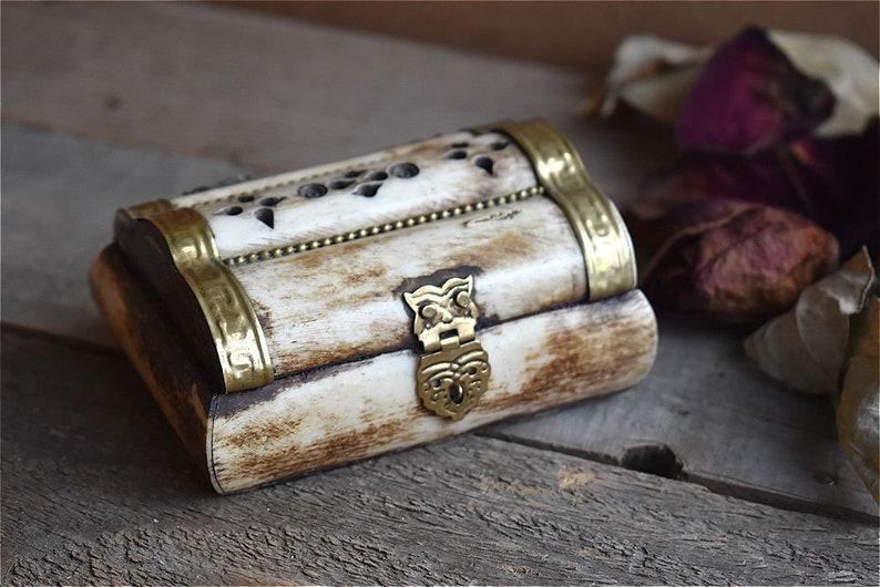 Vintage Jewelry Box Treasure Trinket Box Chest Brass Bone European Mid Century 1950 Decor Decoration Art Jewellery Family Wedding Girl Gift