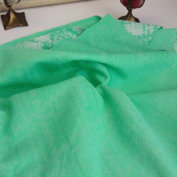 Vintage MINT GREEN Double couche tissu 64 taille 64 tissu x 62 pouces, motif pied de poule-matériel de courtepointe, Jade vert Quilt Topper, Textiles recyclés 876bee