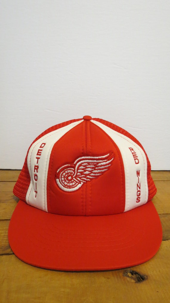 best service dbfad 82860 authentic vintage detroit red wings nhl cap hat red white trucker mesh etsy  eca59 5b1f6